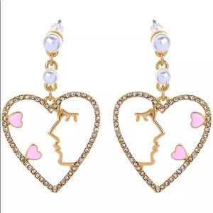 NWT Betsey Johnson Rhinestone Heart Drop earrings